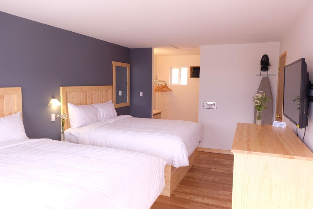 Awe Inspiring Room 221 Golden Village Lodge Download Free Architecture Designs Scobabritishbridgeorg